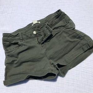 H&M army green cuffed shorts